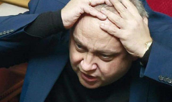 Друзья главы фракции БПП Грынива стали главными заправщиками Минобороны