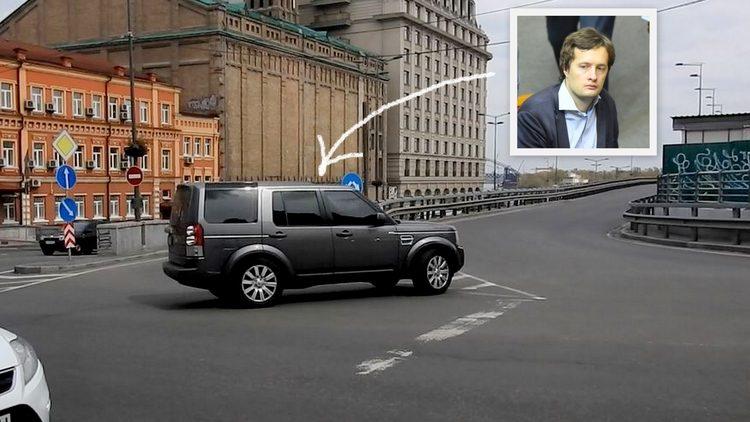 Сын Порошенко грубо нарушил ПДД в центре Киева