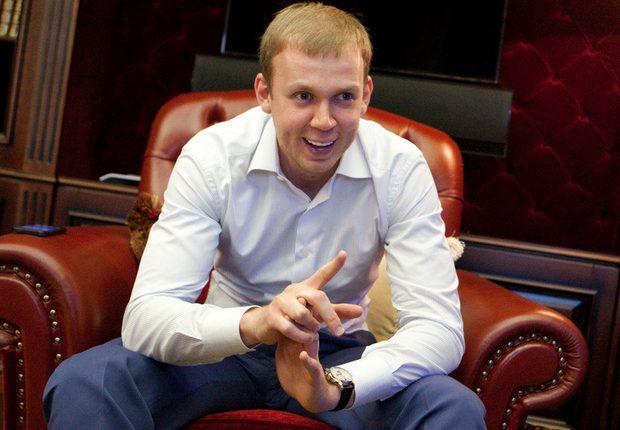 Курченко разговаривает сам с собой и «кидает» россиян и украинцев
