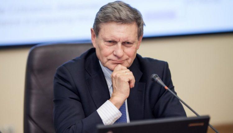 Бальцерович разочарован мораторием на «дерибан» украинской земли