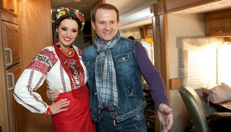 Жена Медведчука рассталась с телеканалом Пинчука