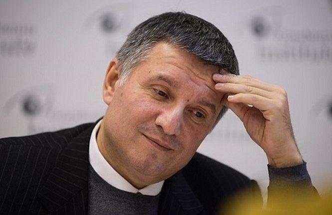 «Сбитого летчика» Мартыненко может сменить «атомщик» Аваков