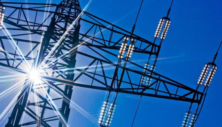 ЧП в украинской энергетике продлится еще минимум месяц