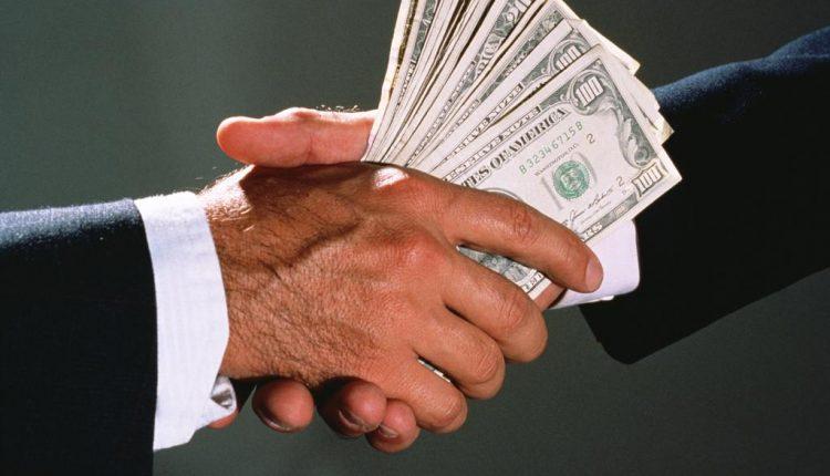 Один из топов Одесской таможни «погорел» на взятке в $ 600