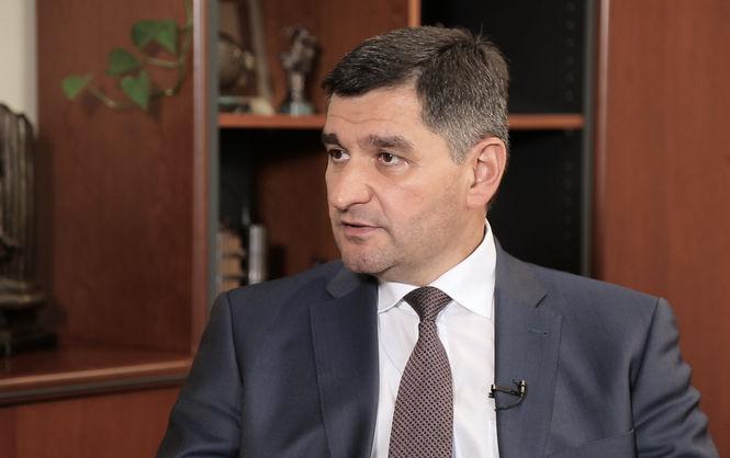 Заместитель министра Прокопив купил Toyota Camry за 858 тысяч