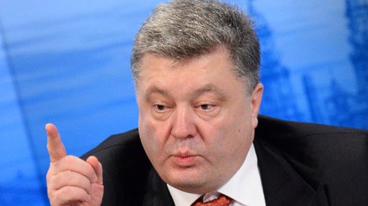 Порошенко заявил, что не слышал о записях Онищенко и слушать не собирается