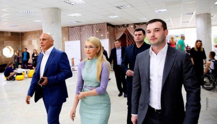 Банк зятя Тимошенко Чечеткина получил миллион дохода