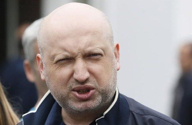 Турчинов отрекается от валютного бизнеса и скандальных «обменников»