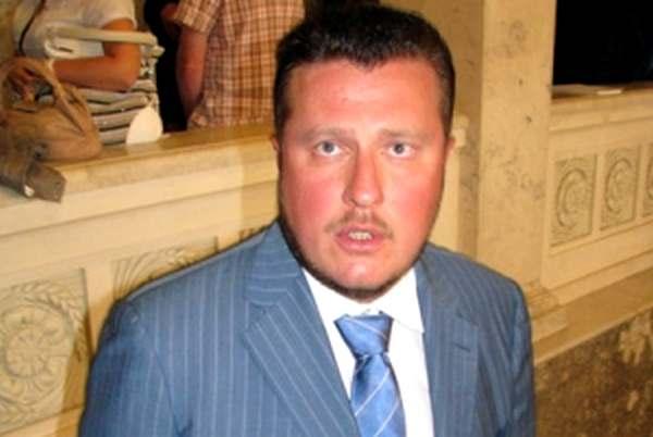 Нардеп Яценко записал на тестя элитные квартиры и дворец под Киевом
