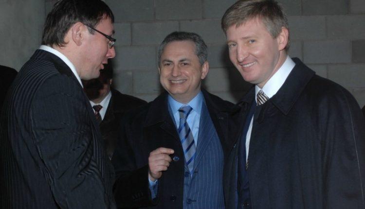 Суд выпустил из-под ареста акции ахметовского ТриМоба
