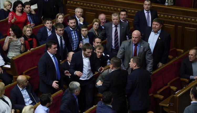 Александр Деркач: «Наша политика делается уж точно не депутатами и не в депутатском зале»