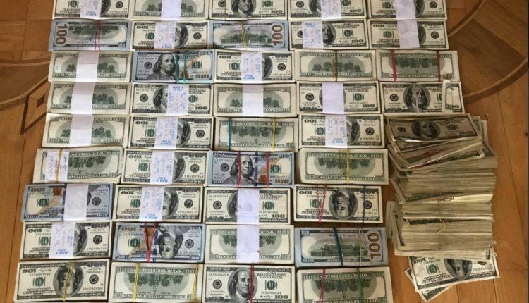 В Одессе полиция опустошила тайник «вора в законе», изъяв $ 1 млн