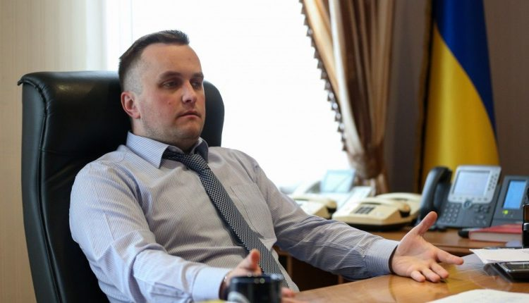 Зарплата завидного жениха Холодницкого выросла до 151 тысячи