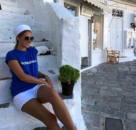 Ведущая «Светской жизни» встретила день рождения на яхте в Греции