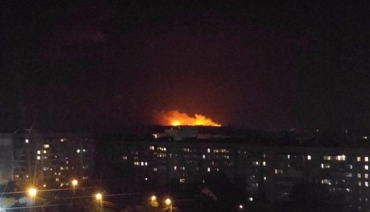 Стали известны подробности масштабного пожара на складах боеприпасов в Калиновке