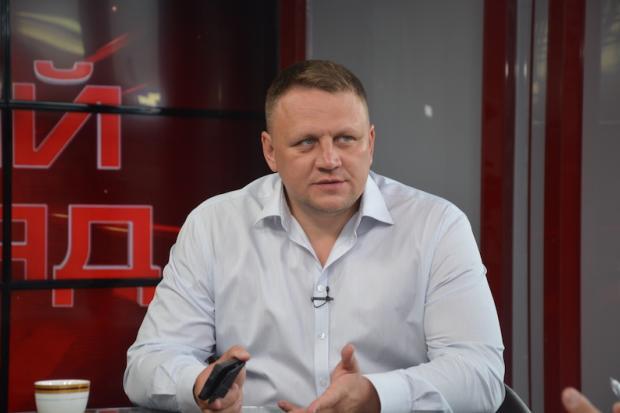 """Фирма """"человека Коломойского"""" получила 260 млн гривен на ремонт дорог"""
