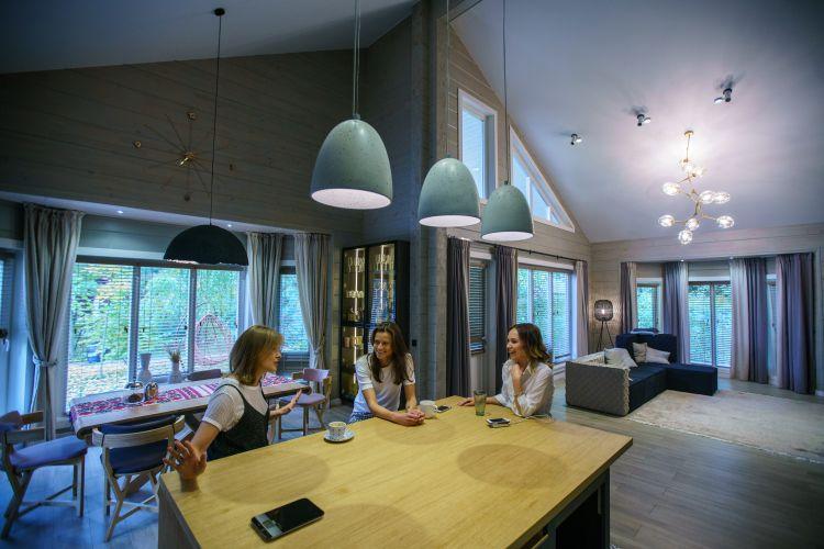 Звезда «Квартала 95» Кравец показала свой уютный дом вКиеве