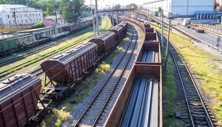 """Как борьба за """"Укрзализныцю"""" отразилась на тендерах железнодорожного монополиста"""