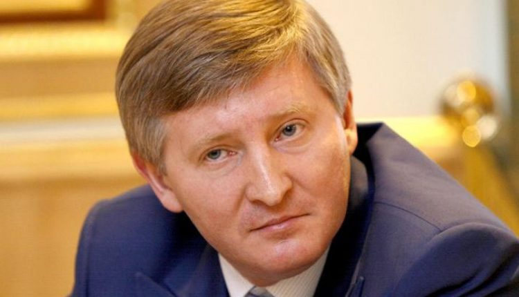 """Стало известно, кто """"помог"""" компании Ахметова получить крупный заказ """"Укрзализныци"""""""
