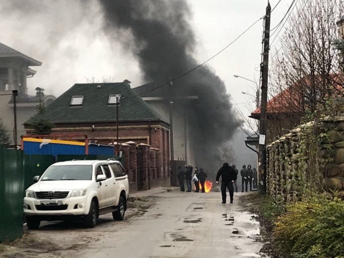 ВКиеве под домом экс-министра энергетики Ставицкого полыхали шины