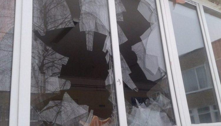 """Александр Деркач: """"Надо стеклить окна, а не бить оставшиеся"""""""