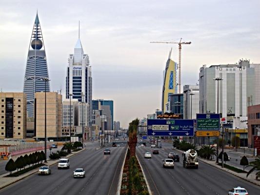 Министр: Власти Саудовской Аравии распределят между жителями страны 13 млрд долларов