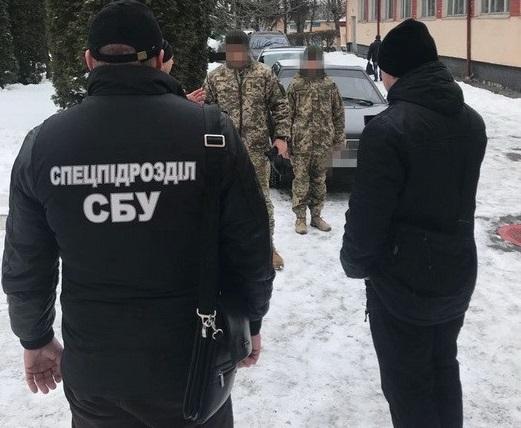 ВХмельницкой области глава воинской части попался навзятке