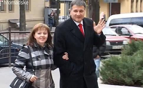 Жена министра МВД Инна Авакова получила почти 57 млн гривен дохода