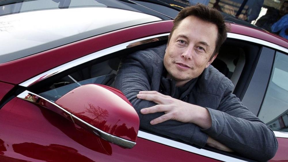 Киевский метрополитен предлагает Маску разместить Tesla настанции «Арсенальная»