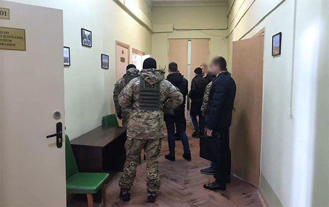 Генпрокуратура иСБУ проводят обыски вХарьковском горсовете