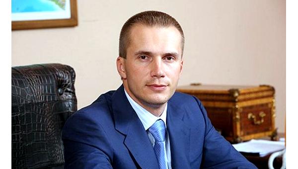 Избанка сына Януковича вывели 2 млрд