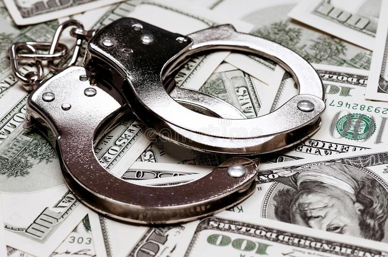 СБУ: Троим полицейским, подозреваемым вовзяточничестве вКиевской области, объявлено о сомнении