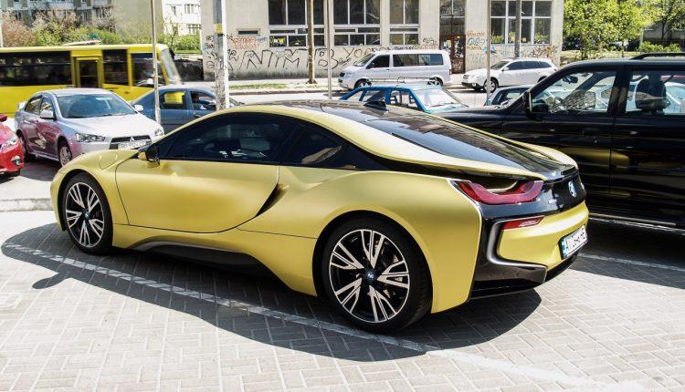 В Украине заметили уникальный BMW из лимитированной серии