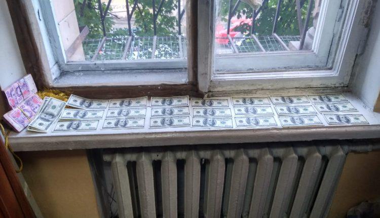 Судью подозревают в вымогательстве $30 тысяч у обвиняемого в рейдерстве