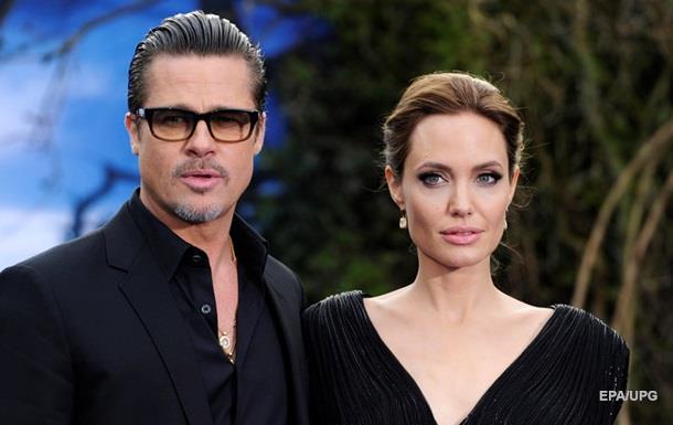 Анджелина Джоли проиграла дело обопеке