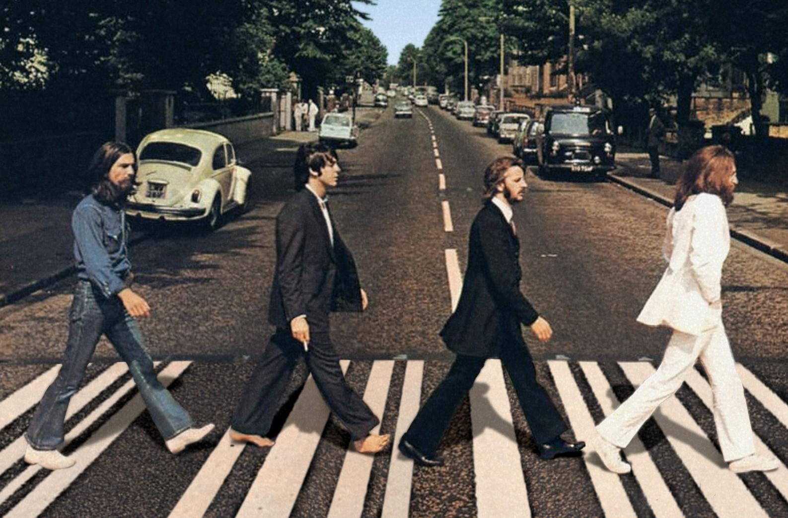 Спустя полвека Пол Маккартни снова пересек пешеходный переход наAbbey Road