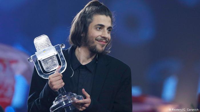 Вышел новый клип победителя «Евровидения-2017» Сальвадора Собрала