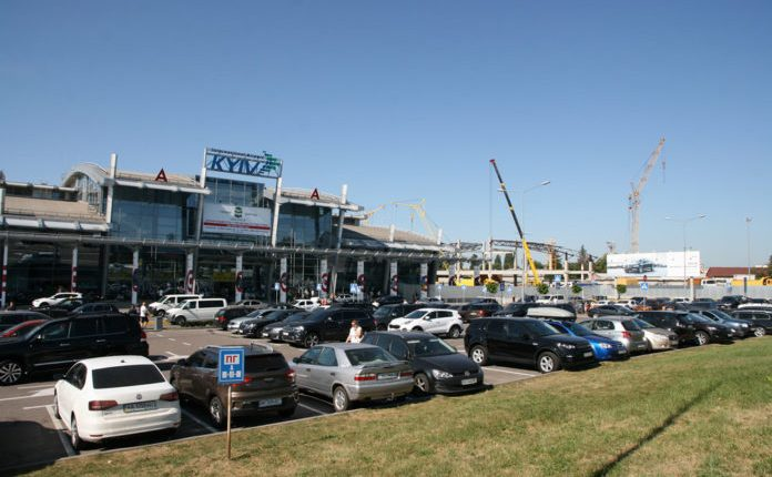 В аэропорту Киева повысили стоимость парковки в 2,5 раза