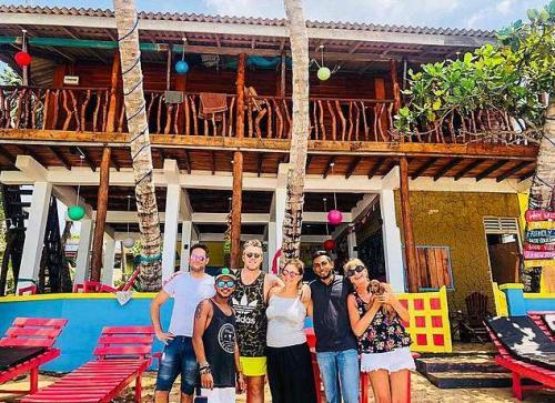Семейная пара по пьяни приобрела гостиницу на Шри-Ланке