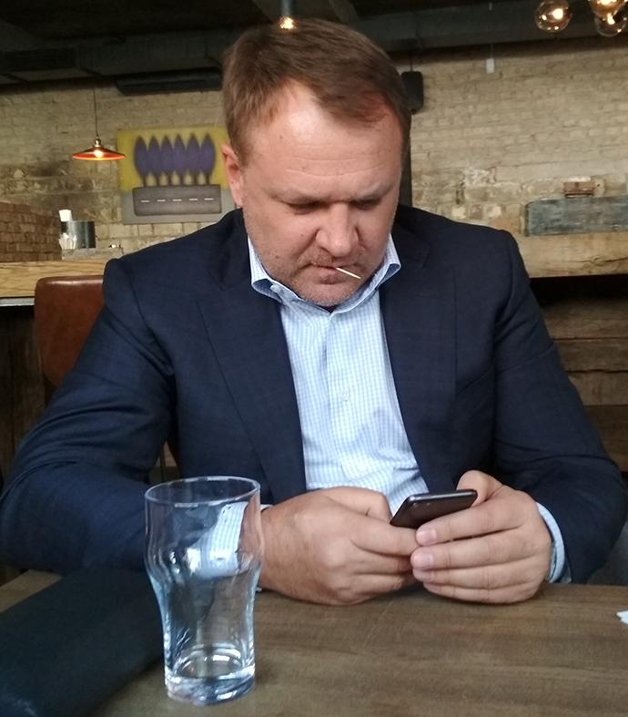 Картинки по запросу Виталий кропачев решил клонировать бизнес Ахметова