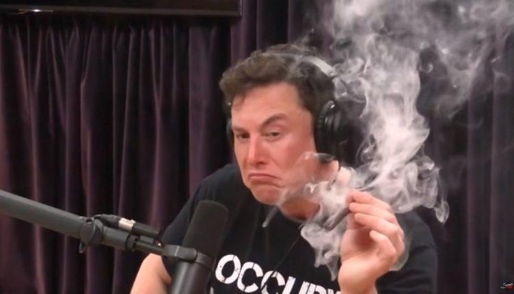 """В NASA заявили, что Маск больше не будет курить """"траву"""" и пить алкоголь на людях"""