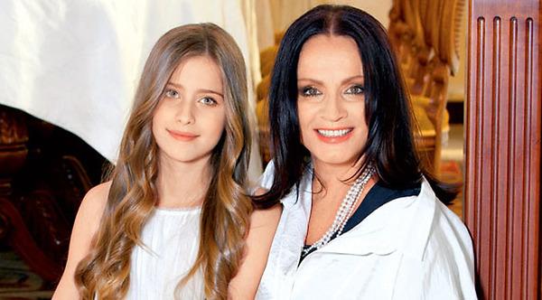 Внучка Софии Ротару Соня Евдокименко презентует дебютную песню
