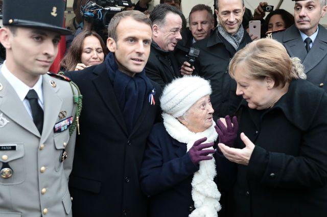 Ангелу Меркель перепутали с женой Макрона