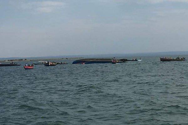 Во время крушения яхты на озере Виктория спасли принца Уганды