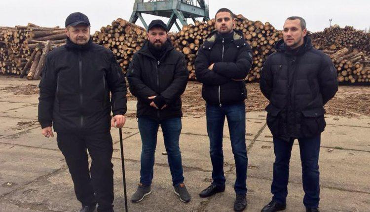 Четверо парней Олега Ляшко умудрились голосовать в Раде, находясь в Одесской области