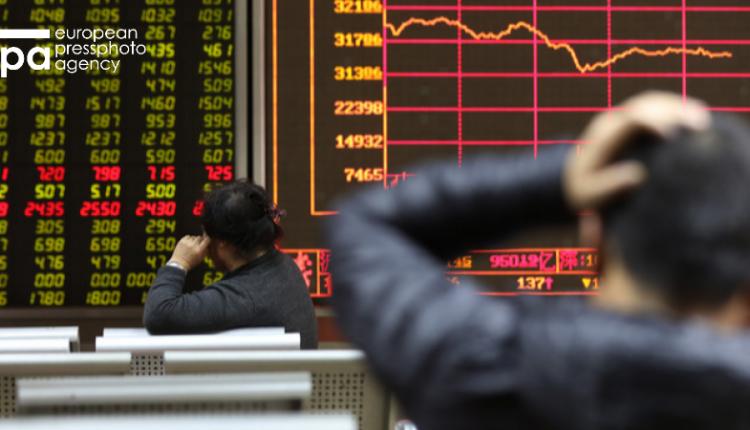 Китайский рынок рекордно рухнул по итогам года
