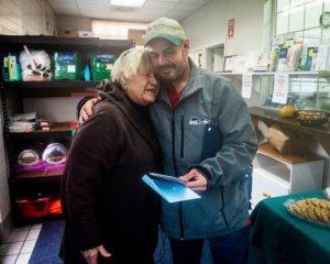 Бездомный отдал на благотворительность найденные $17 тысяч