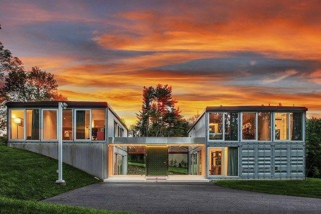 Оригинальный дом из контейнеров оценили в 875 тысяч долларов