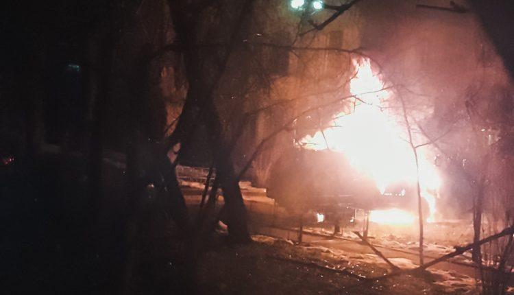 Ночью в столице сожгли Land Criuser матери киевского депутата