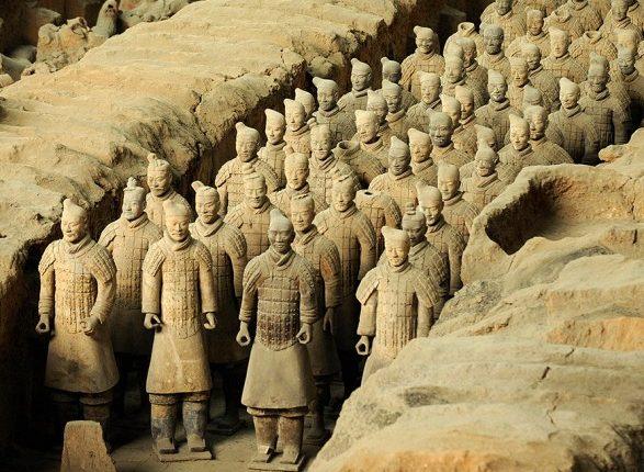 В Китае из древних гробниц похитили уникальные артефакты